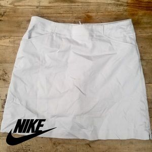 Nike khaki gold skort